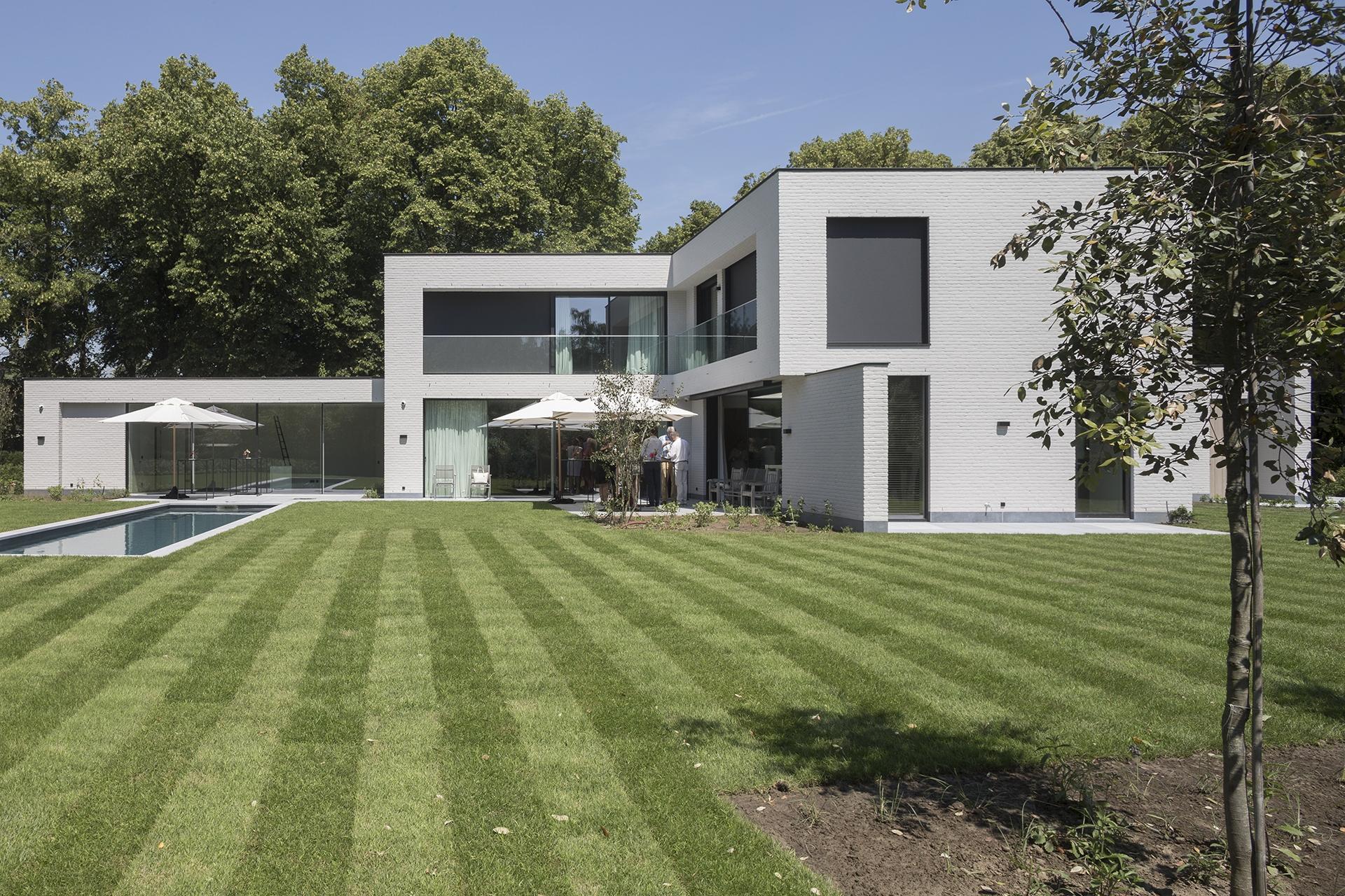 Minimalistische villa aan de golf van St-Martens-Latem